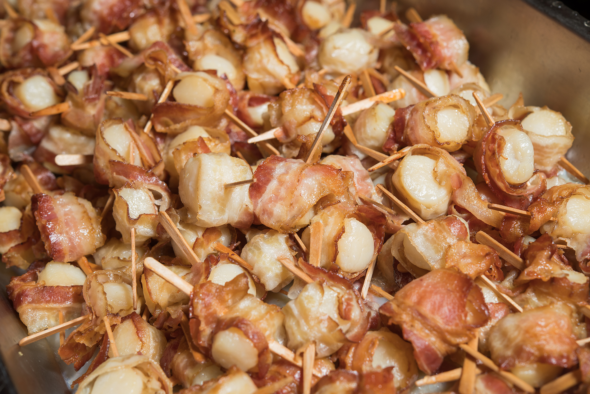 bacon wrapped scallops_catering