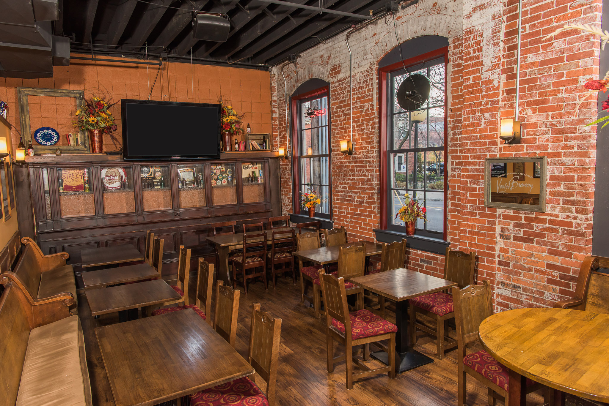 upick6 Tap House Dining Room